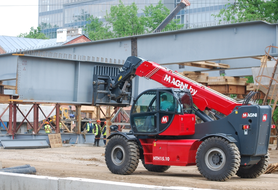 MAGNI HTH 15.10 for hire in Russia